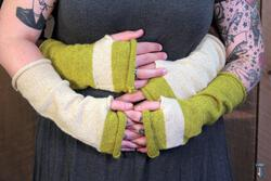 Whole Wide World - Fingerless Mitts Download