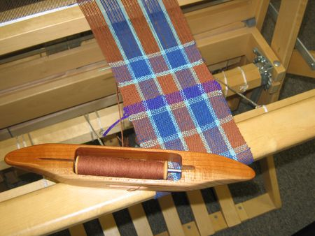 Weaving--on--a--4--ShaftSLASHHarness--Floor--Loom