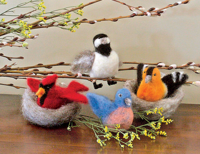 Backyard Birds Needle Felting Ornaments - Black Sheep Designs
