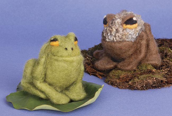 Frog and Toad Needle Felting Kit