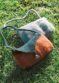 Shoulder Purse Felted Knitting  Geo or Deco Rug Wools