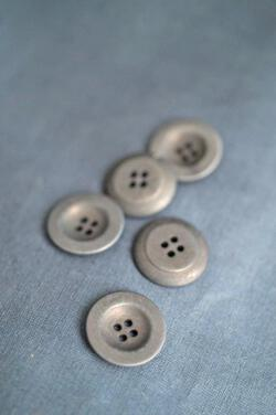 Corozo Grey Button