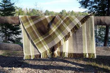 Weaving patterns Chickadee Woven Blanket
