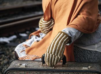 Knitting patterns Corrugated Mitts