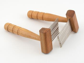 Spinning equipment Acorn Petite Cherry Single Row Combs