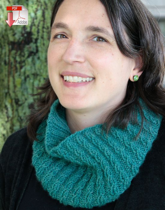 Knitting Patterns Cashmere Cowl with a Twist