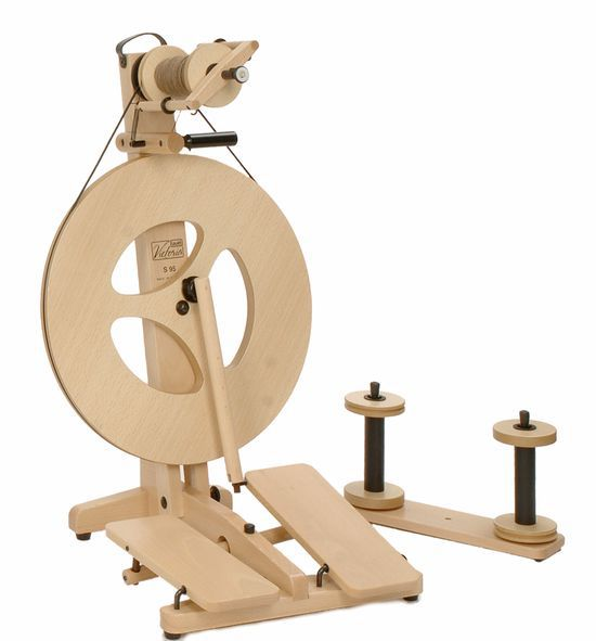 Spinning equipment Louet Victoria Beech Double-Treadle Spinning Wheel