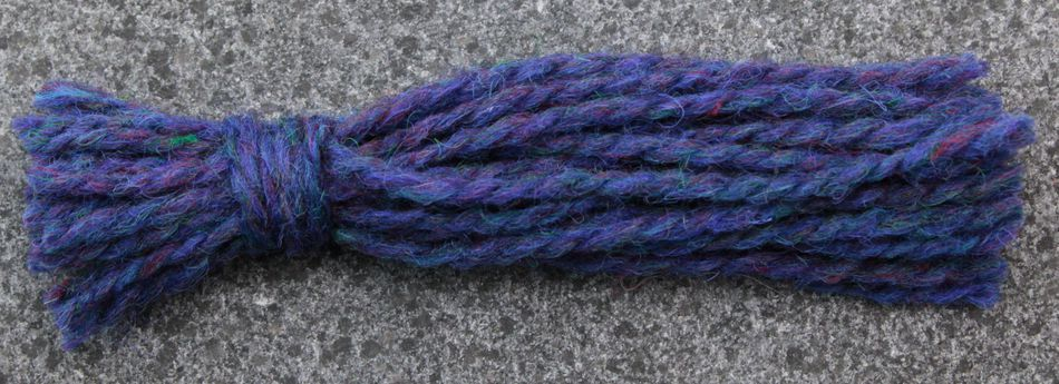 yarn tassel for FlyWheel Yarn by Harrisville Designs 012