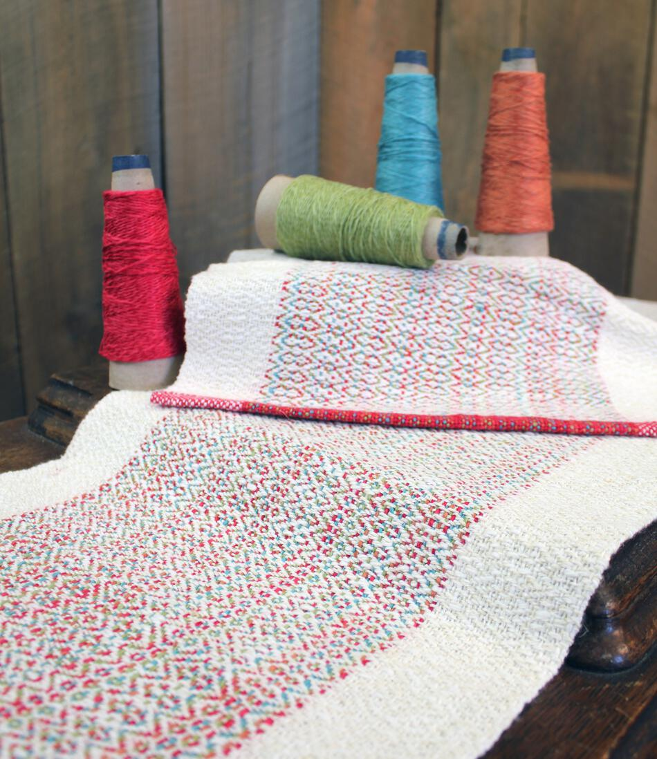 Weaving Patterns Homeward Bound   Table Runner And Placemat Set