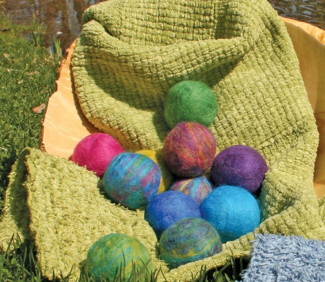 Decorative Soap Balls: Merino Fiber, Felting Pattern