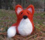 Fox Single Creature Needle Felting Kit - Romney Ridge (image A)