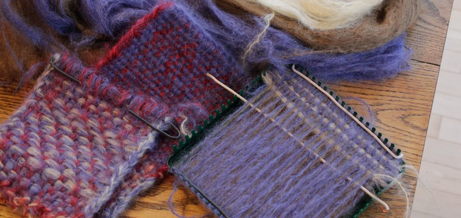 potholder-loom-weaving-with-yarn