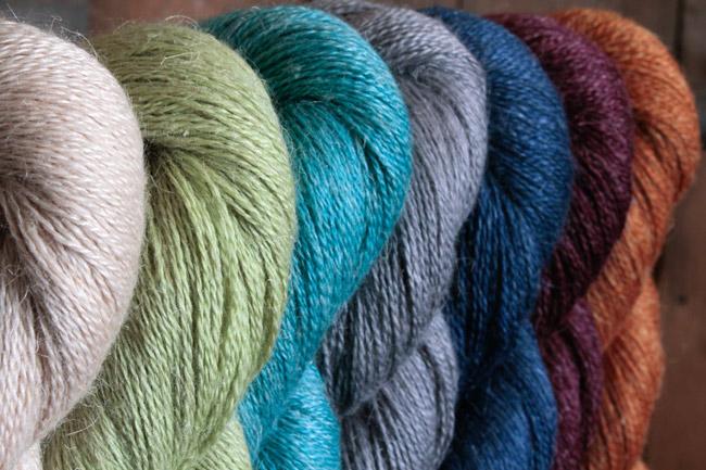 Plymouth Knitting Patterns : Linaza 2 Color Shawl, Knitting Pattern - Halcyon Yarn