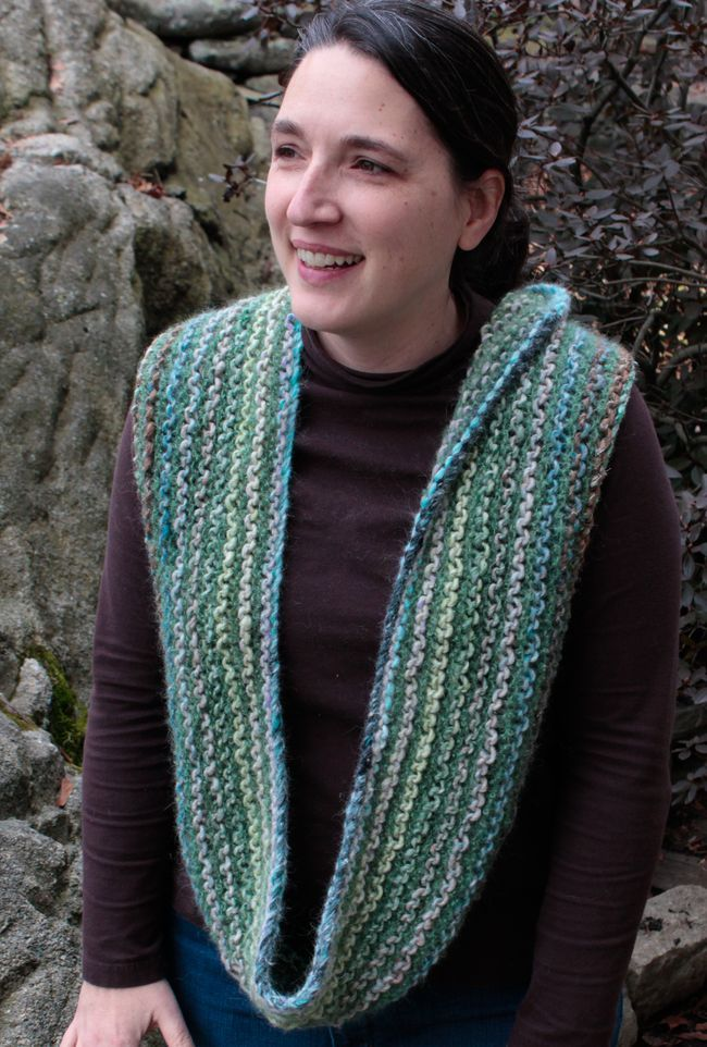 noro-transitions-yarn-cowl-pattern-with-victorian-boucle-singly