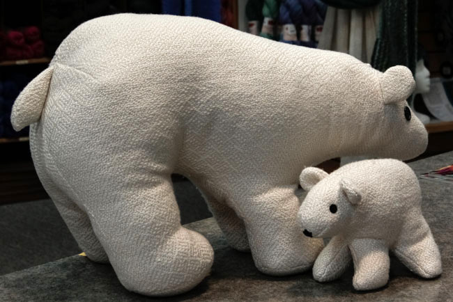 handwoven-polar-bears-1
