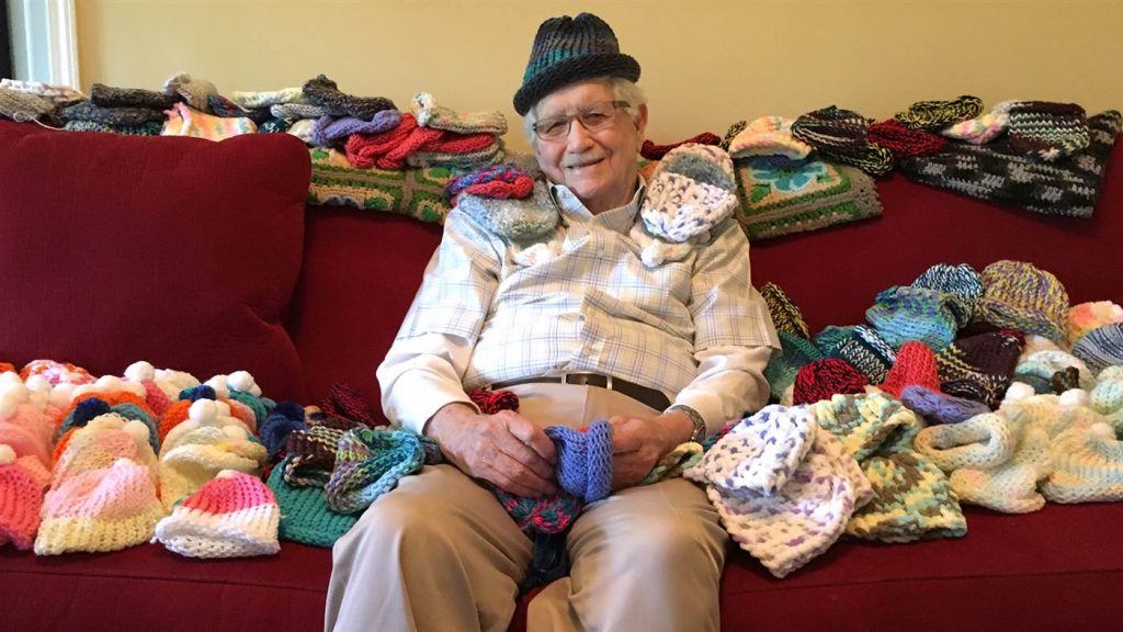 grandpa-knit-hats-premie-babies-today-tease-161122_0_6642bc47dc97fcf9def998f78aa057af-today-inline-large2x
