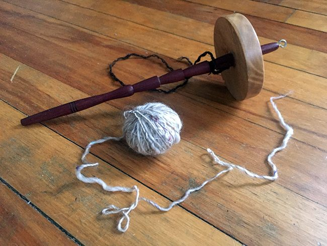 make-your-own-beautiful-handspun-yarn-with-a-drop-spindle