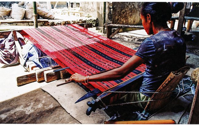 new-weaving-magazines-handwoven-vav